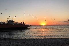 KellysIsland-ferry-sunset800x500