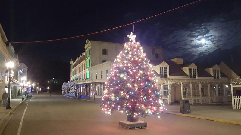 Mackinac-Christmas-Tree-800x450