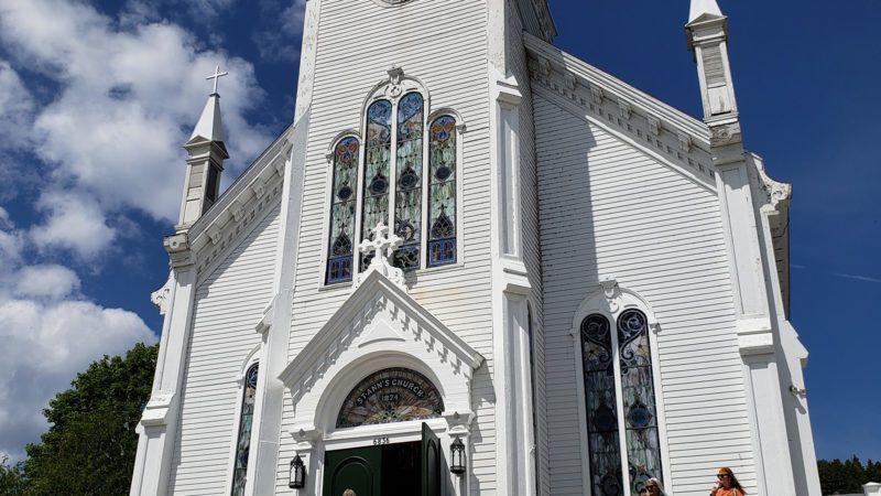 Mackinac-Island-church-800x450