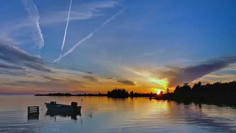 Frykman-Studio-Gallery-Lake-at-Sunset-800x450